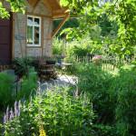 Kräutergarten-am-Nonnenpfad-mit-Gartenhäuschen